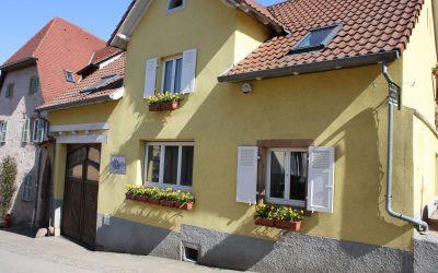 La facade de la ruche qui dit oui et gite des dix vins à Dangolsheim