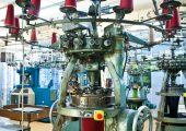Une machine à tricoter dans la fabrique du Tricotage de Marmoutier